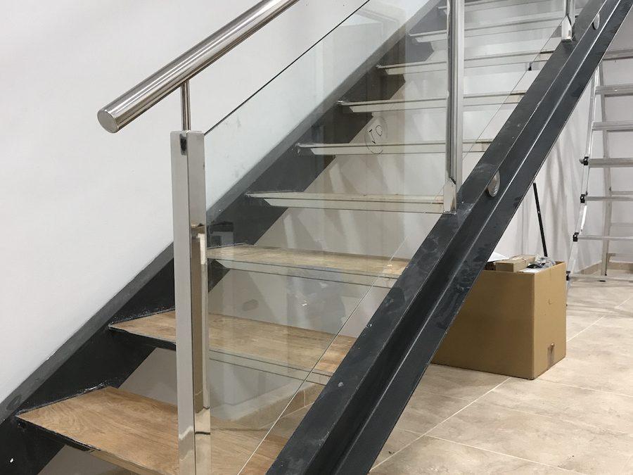 Escaleras Voladas De Madera Simple Escaleras Voladas With Escaleras