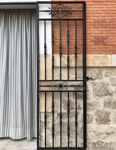 PUERTA DE DOS HOJAS DE FORJA (7)