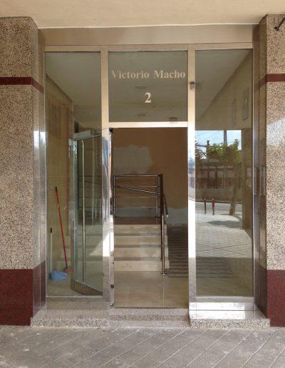 PUERTA UNIBLOCK CON FIJOS EN LOS DOS LATERALES DE ARRIBA ABAJO + SUPERIOR